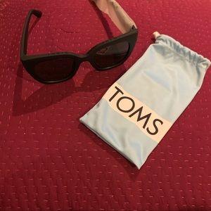 TOMs Sunglasses w/ dust bag